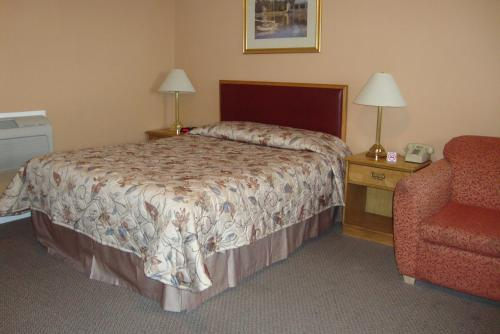 Royal Napanee Inn Photo