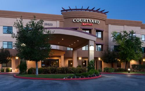 Courtyard by Marriott Santa Clarita Valencia Photo