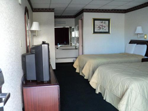 Relax Inn and Suites Hope Photo