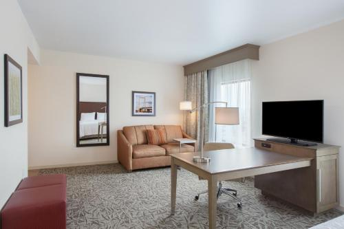 Hampton Inn - Suites Pasco-Tri-Cities WA - Pasco, WA 99301