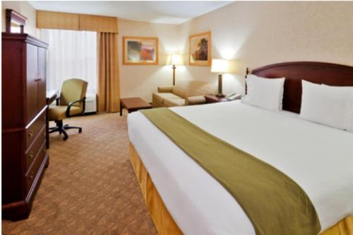 Holiday Inn Express Nashville-Hendersonville Photo