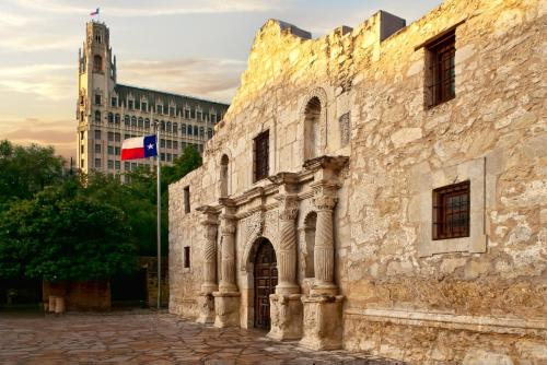 Picture of The Emily Morgan San Antonio - a DoubleTree by Hilton Hotel