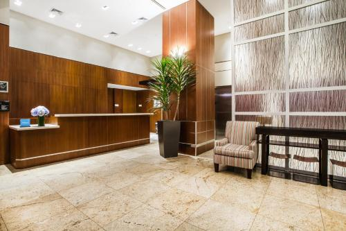 Hilton Garden Inn West 35th Street Photo