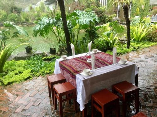 Bac Ha Flower Valley Homestay, Bắc Hà