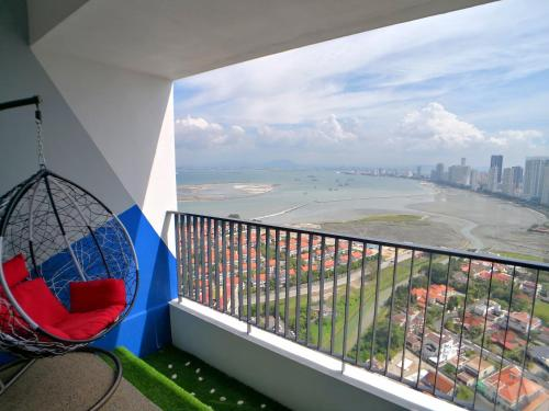 Gurney Seaview Condo with Balcony, George Town