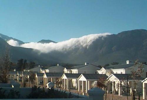 Franschhoek Travellers Lodge Photo