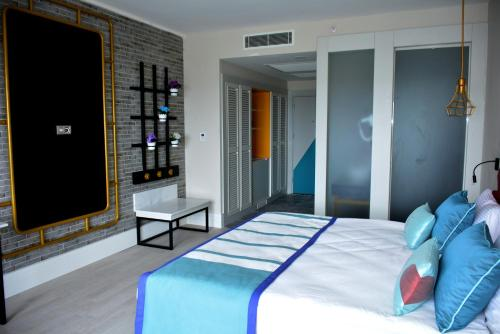 Seaden Valentine Resort & Spa - Adult Only +16, Side
