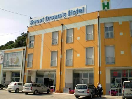 Sweet Dream's Hotel