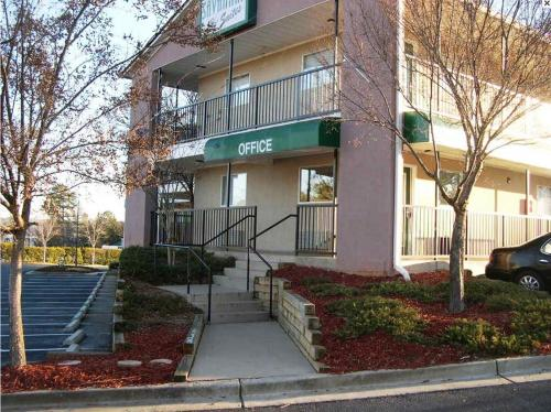 Savannah Suites - Stone Mountain