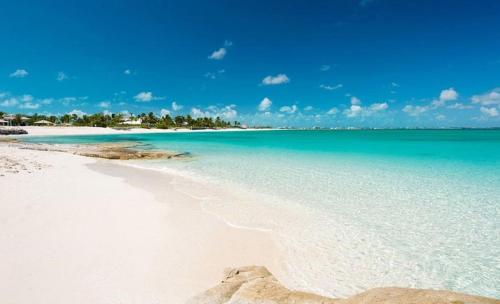 Turks and Caicos Grace Bay Beach Walk Villas, Грейс-Бэй