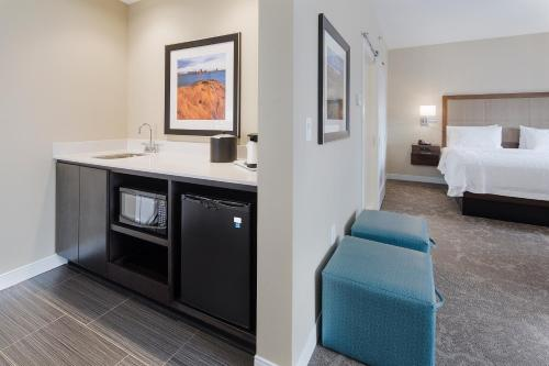 Hampton Inn & Suites Page - Lake Powell - Page, AZ 86040