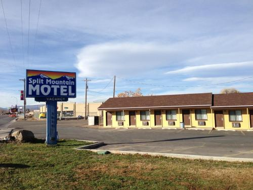 Split Mountain Motel Photo