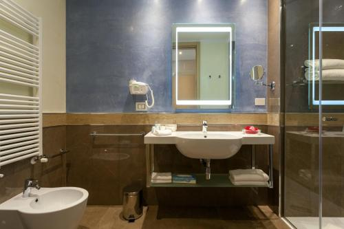 Hotel Imperiale Rimini photo 71