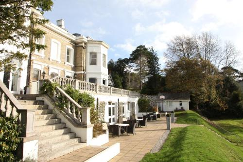 Trenython Manor Hotel & Spa, green hotel in Par, United Kingdom