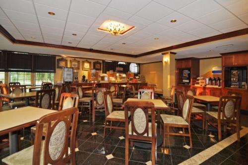 Best Western Plus South Hill Inn Photo