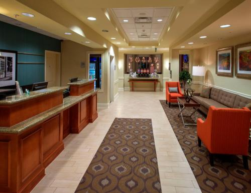 Hampton Inn & Suites Mobile I-65-Airport Blvd. Al - Mobile, AL 36609