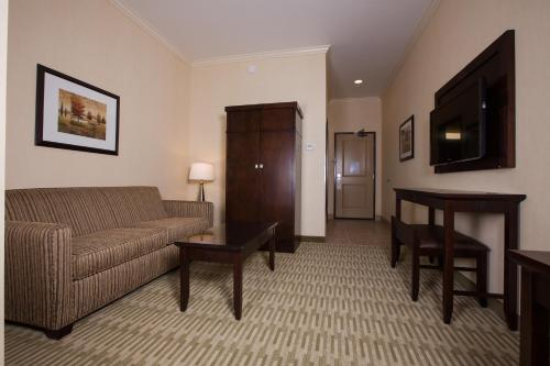 The Oaks Hotel & Suites Photo