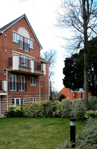 Photo of Westlands House Hotel Bed and Breakfast Accommodation in Basingstoke Hampshire