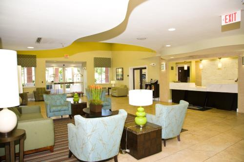 Best Western Plus Fort Lauderdale Airport South Inn & Suites Photo