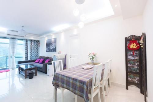 !Great for family! Huge & comfy apt at Lohas Park, Гонконг