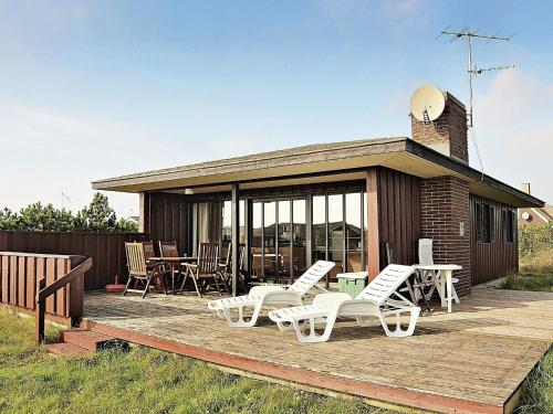 Two-Bedroom Holiday home in Ringkøbing 29, Søndervig