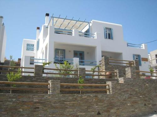 Karaoulanis Apartments - Andros Chora Greece