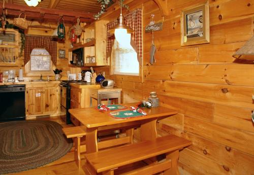Romantic Hideaway #126 Holiday home Photo