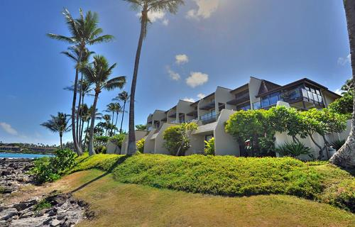 Oceanfront Napili Point Condo #B-26 Photo