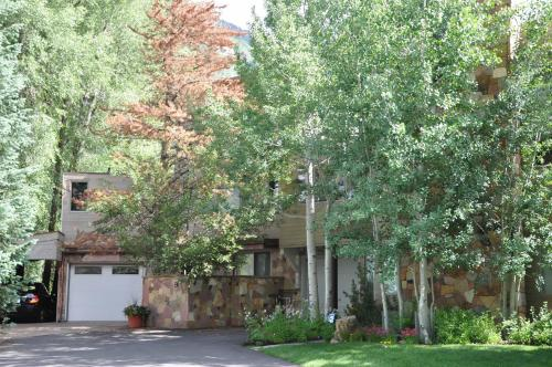 Home on Vail Golf Course Photo