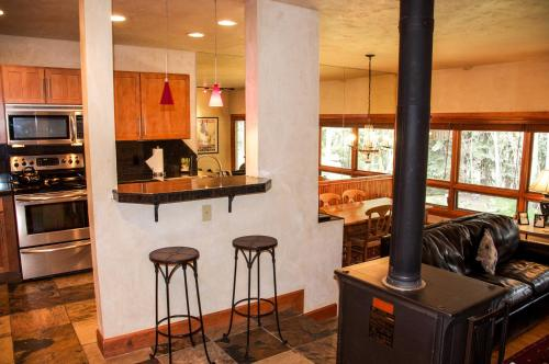 East Vail Mountain Vacation Condo Photo