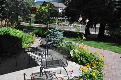 Condo in the Heart of Vail Village Photo