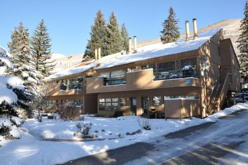 Pitkin Creek Park East Vail Vacation Condo Photo