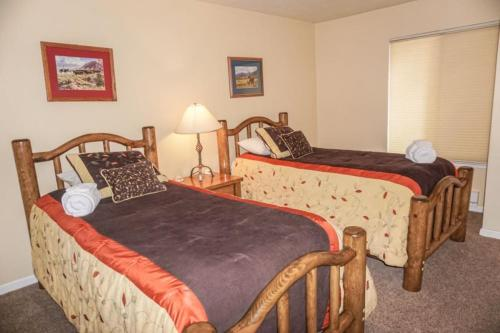 Waterfront Lakeview Avenue Tahoe Condo Photo