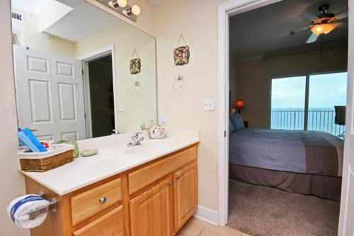 Crystal Shores West 307 Photo