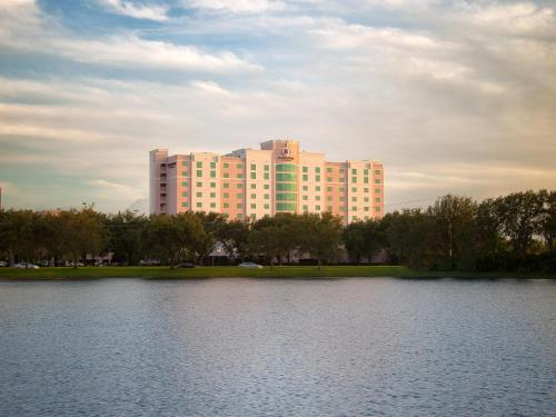 DoubleTree by Hilton Sunrise - Sawgrass Mills Photo