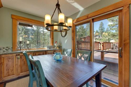 Lodge Above the Pines Photo