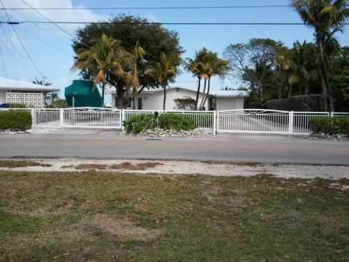 1758 Palm Point Photo