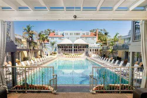 The Lafayette Hotel, Swim Club & Bungalows Photo