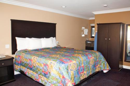 Garden Inn and Suites Glendora Photo
