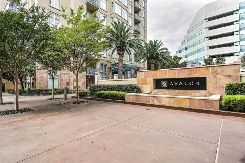 Avalon Towers #920 Photo