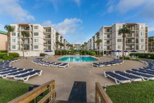 Beach Club 320 Apartment, Saint Simons Island