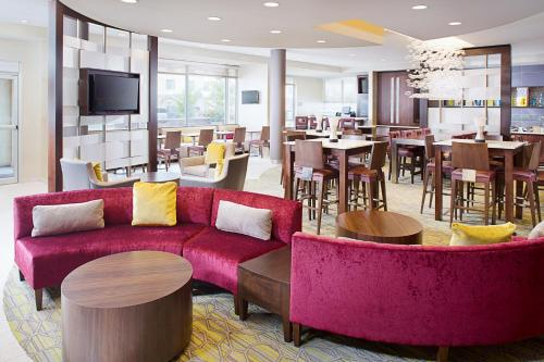 SpringHill Suites by Marriott Carle Place Garden City Photo