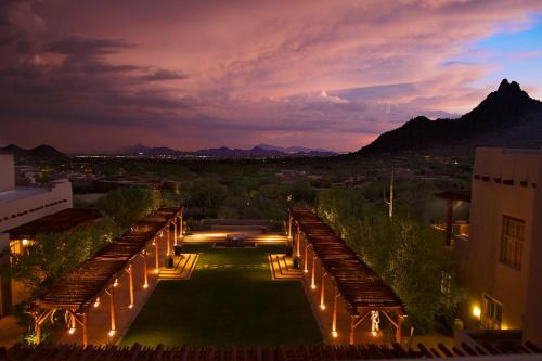 Four Seasons Resorts Scottsdale at Troon North Photo