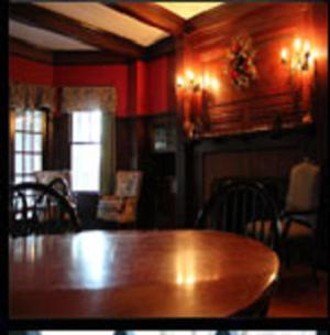 Castle Manor Inn Photo