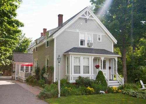 James Place Inn Bed and Breakfast Photo