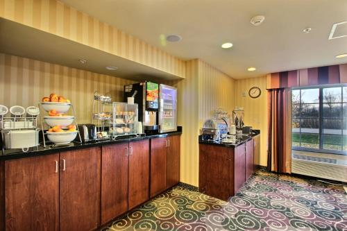 Boarders Inn and Suites of Oshkosh Photo