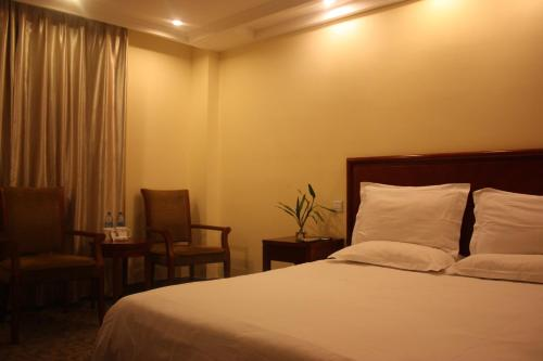 GreenTree Inn ShangHai ChangYang Road JiangPu Park Metro Station Business Hotel photo 22