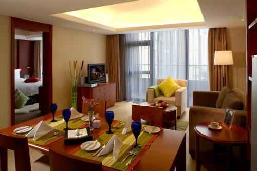 Howard Johnson All Suites Hotel Suzhou photo 22