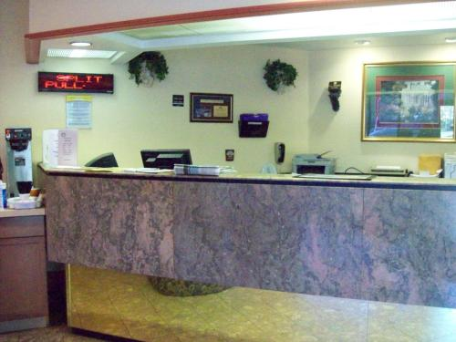 Days Inn Airport Photo
