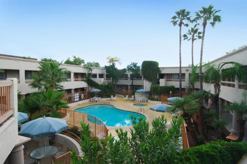 Ramada Inn & Suites Foothills Resort Tucson
